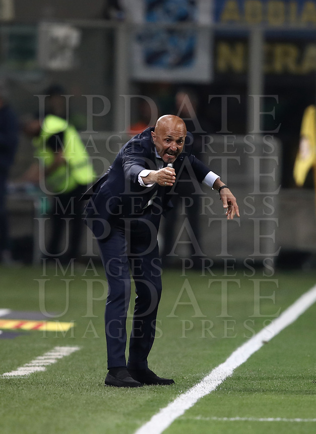 Calcio, Serie A: Inter - Juventus, Milano, stadio Giuseppe Meazza (San Siro), 28 aprile 2018.<br /> Inter's coach Luciano Spalletti gestures during the Italian Serie A football match between Inter Milan and Juventus at Giuseppe Meazza (San Siro) stadium, April 28, 2018.<br /> UPDATE IMAGES PRESS/Isabella Bonotto