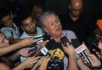 SAO PAULO, SP, 15 MARCO 2013 -  nal juvencio Presidente juv no desembarquer da equipe do  Sao Paulo após partida contra o Arsenal da Argentina valida pela taca Libertadores da America, no aeroporto de Cumbica , em Guarulhos. nesta sexta feira 15. (FOTO: ALAN MORICI / BRAZIL PHOTO PRESS).