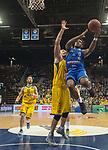 10.02.2018, EWE Arena, Oldenburg, GER, BBL, EWE Baskets Oldenburg vs Rockets Erfurt, im Bild<br /> <br /> Rasid MAHALBASIC (EWE Baskets Oldenburg #24)<br /> Retin OBASOHAN (Rockets Erfurt #0 )<br /> Foto &copy; nordphoto / Rojahn