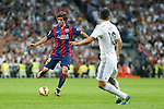 Real Madrid´s James (R) and Barcelona´s Sergi Roberto during La Liga match between Real Madrid and F.C. Barcelona in Santiago Bernabeu stadium in Madrid, Spain. October 25, 2014. (ALTERPHOTOS/Victor Blanco)