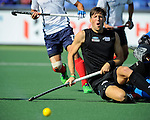 The Hague, Netherlands, June 01: Simon Child #6 of New Zealand in action during the field hockey group match (Men - Group B) between the Black Sticks of New Zealand and Korea on June 1, 2014 during the World Cup 2014 at GreenFields Stadium in The Hague, Netherlands. Final score 2:1 (1:0) (Photo by Dirk Markgraf / www.265-images.com) *** Local caption ***