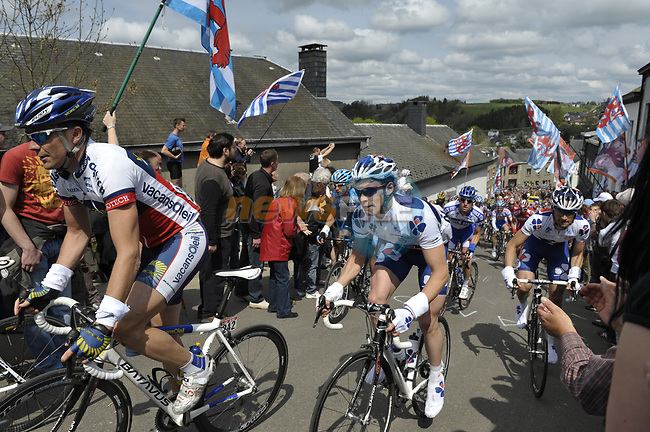 The peleton climbs the first real test of the race Cote de Saint Roch during the 95th running of Liege-Bastogne-Liege cycle race, running 261km from Liege to Ans, Belgium. 26th April 2009 (Photo by Eoin Clarke/NEWSFILE)