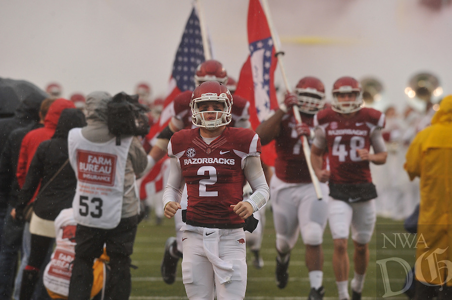 NWA Democrat-Gazette/MICHAEL WOODS • University of Arkansas ve the Missouri Tigers during Friday's game at Razorback Stadium November 27, 2015.