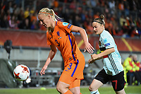 20170724 - TILBURG , NETHERLANDS : Belgian Elke Van Gorp (R) and Dutch Stephanie van der Gragt (L) pictured during the female soccer game between Belgium and The Netherlands  , the thirth game in group A at the Women's Euro 2017 , European Championship in The Netherlands 2017 , Monday 24 th June 2017 at Stadion Koning Willem II  in Tilburg , The Netherlands PHOTO SPORTPIX.BE | DIRK VUYLSTEKE