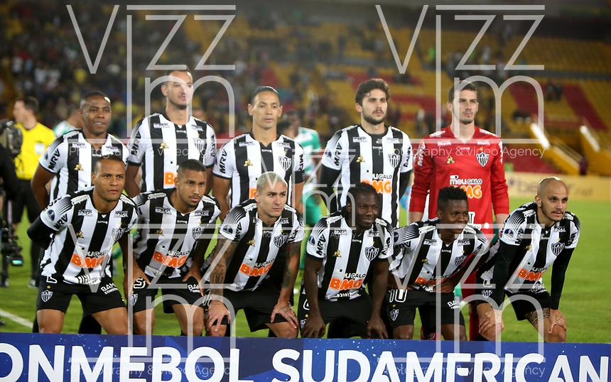 BOGOTÁ-COLOMBIA, 27-08-2019: Jugadores de Atlético Mineiro (BRA), posan para una foto antes de partido de vuelta de los cuartos de final entre La Equidad (COL) y Club Atlético Mineiro (BRA), por la Copa Conmebol Sudamericana 2019 en el estadio Nemesio Camacho El Campin, de la ciudad de Bogotá. / Players of Atletico Mineiro (BRA), pose for a photo prior a match between La Equidad (COL) and Club Atletico Mineiro (BRA), of the second leg of the quarter finals for the Conmebol Sudamericana Cup 2019 in the Nemesio Camacho El Campin stadium in Bogota city. Photo: VizzorImage / Luis Ramírez / Staff.