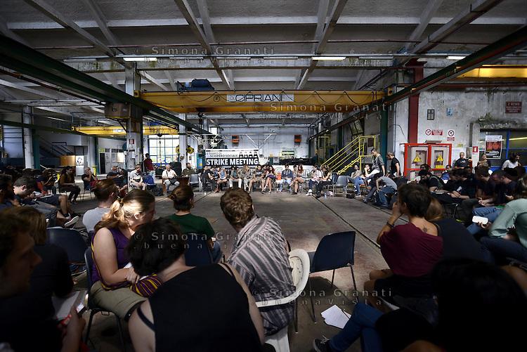 Roma, 13 Settembre 2014<br /> OZ, Officine Zero, fabbrica recuperata.<br /> EX Officine RSI (Rail Service Italy).<br /> Secondo incontro della tre giorni del meeting per l'organizzazione di uno sciopero sociale in tutta Europa.<br /> Contro le politiche di austerit&agrave;, contro la precariet&agrave; e la disoccupazione di massa, per il welfare, per il diritto alla citt&agrave; e per i beni comuni.<br /> Rome, 13 September 2014.<br /> OZ, Officine Zero recuperated factory. <br /> EX Officine RSI (Rail Service Italy).<br />  <br /> Second meeting of the three-day meeting for the organization of a social strike across Europe. <br /> Against the policies of austerity, against insecurity and mass unemployment, for welfare, the right to the city and for the common good.