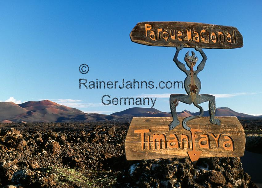 Spanien, Kanarische Inseln, Lanzarote, Timanfaya Nationalpark:  Hinweisschild | Spain, Canary Island, Lanzarote, Timanfaya National park: sign post
