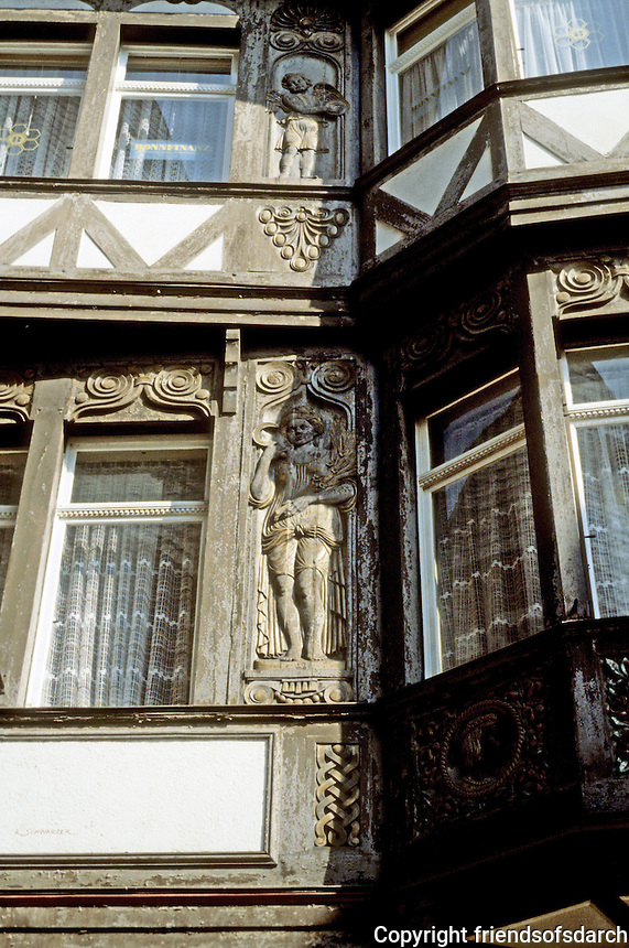 Limberg: Fachwerk, carving detail. Photo '87.