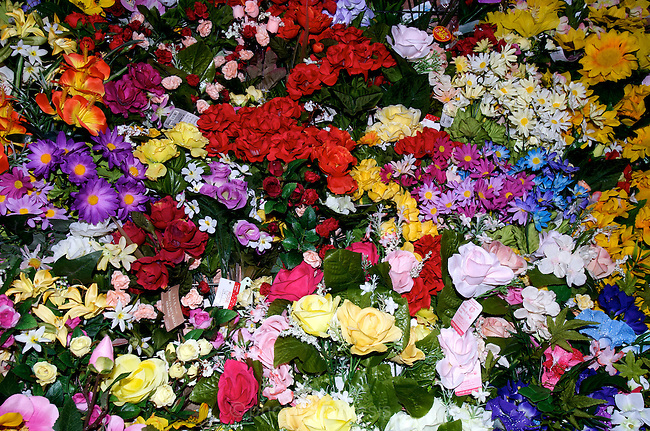 Fake flowers for sale in 100 Yen shop