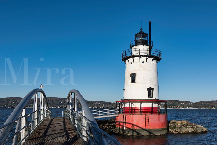 Sleepy Hollow Lighthouse (aka Tarrytown Lighthouse and Kingsland Point Lighthouse, Sleepy Hollow, New York, USA