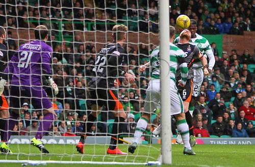 21.11.2015. Glasgow, Scotland. Scottish Premier League. Celtic versus Kilmarnock. Dedryck Boyata heads towards goal