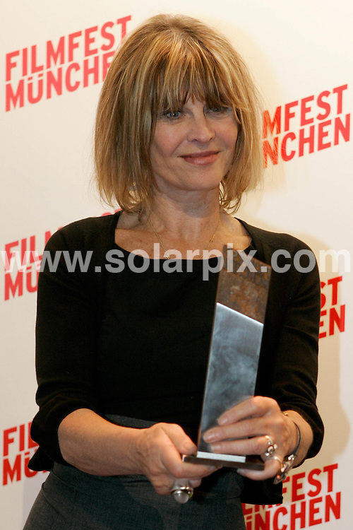 **ALL ROUND PICTURES FROM SOLARPIX.COM**.**SYNDICATION RIGHTS FOR UK AND SPAIN ONLY**.The British actress Julie Christie after a public appearance during the Film Festival in Munich ( Muenchen) in Germany..Julie Christie spoke the public and journalists and later in the evening she will be honoured with the CineMerit Award...JOB REF:6740-CPR/Lennart Preiss      DATE:28_06_08.**MUST CREDIT SOLARPIX.COM OR DOUBLE FEE WILL BE CHARGED* *UNDER NO CIRCUMSTANCES IS THIS IMAGE TO BE REPRODUCED FOR ANY ONLINE EDITION WITHOUT PRIOR PERMISSION*