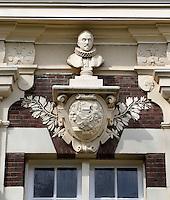 Het Asyl voor Oude en Gebrekkige Zeelieden is een hofje bestaande uit 14 woningen in de Zuid-Hollandse plaats Brielle. Detail aan de gevel