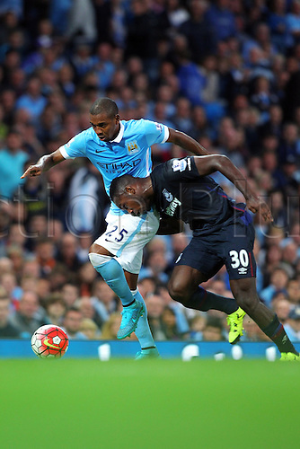 19.09.2015. Manchester, England. Barclays Premier League. Manchester City versus West Ham. Fernandinho of Manchester City and Michail Antonio of West Ham United compete for possession
