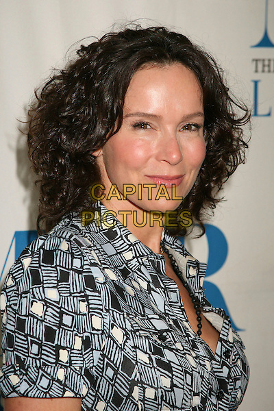 "JENNIFER GREY.""New Adventures of Old Christine"" Presented by the Museum of Television & Radio, Beverly Hills, California, USA, 16 April 2007..portrait headshot gray black and white printed patterned dress.CAP/ADM/BP.©Byron Purvis/AdMedia/Capital Pictures."