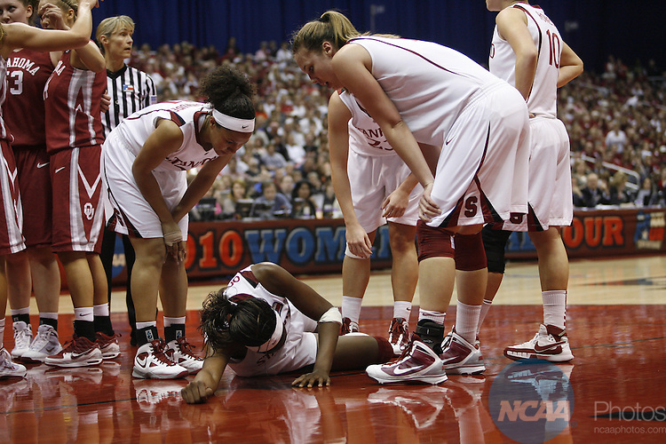 04 APR 2010:  The University of Oklahoma takes on Stanford University during the Division I Women's Basketball Semifinals held at the Alamodome during the 2010 Women's Final Four in San Antonio, TX.  Jamie Schwaberow/NCAA Photos