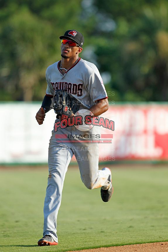Hickory Crawdads outfielder Bubba Thompson (25) running in from the outfield between innings during a game against the Charleston Riverdogs at the Joseph P. Riley Ballpark in Charleston, South Carolina.  Hickory defeated Charleston 8-7. (Robert Gurganus/Four Seam Images)