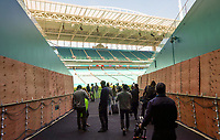 Spielertunnel wird vorbereitet im Hard Rock Stadium für den Super Bowl LIV - 22.01.2020: SB LIV im Hard Rock Stadium Miami