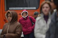SAO PAULO. SP, 24 DE JULHO DE 2013 - CLIMA TEMPO - SAO PAULO - Paulistano vive manha fria nesta quarta feira, 24, na Avenida Paulista, região central da capital. (FOTO: ALEXANDRE MOREIRA / BRAZIL PHOTO PRESS