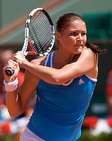 Dinara Safina (RUS) (1) against Aravane Rezai (FRA) in the fourth round of the Women's Singles. Safina beat Rezai 6-1 6-0 ..Tennis - French Open - Day 8 - Sun 31st May 2009 - Roland Garros - Paris - France..Frey Images, Barry House, 20-22 Worple Road, London, SW19 4DH.Tel - +44 20 8947 0100.Cell - +44 7843 383 012