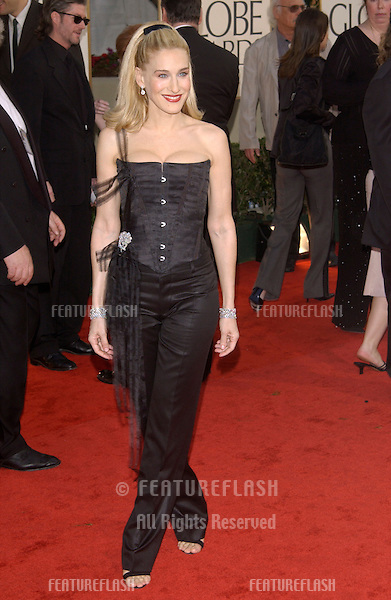 SARAH JESSICA PARKER at the Golden Globe Awards at the Beverly Hills Hilton Hotel..19JAN2003...© Paul Smith / Featureflash
