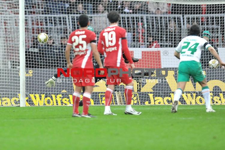 FBL 2008/2009 24. Spieltag Rueckrunde<br />  Werder Bremen - VFB Stuttgart<br /> <br /> 1:0 Diego ( Bremen BRA #10 ) Jens Lehmann (Schaefer) (VFB #1) machtlos<br /> <br /> <br /> ) Foto &copy; nph (nordphoto )