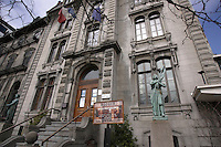 - Bronze of Marianne in front of Montreal's Union Francaise