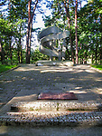 Węgorzewo. Cmentarz Żołnierzy Radzieckich z II Wojny Światowej gdzie pochowano żołnierzy radzieckich, którzy polegli przy wyzwalaniu Węgorzewa.