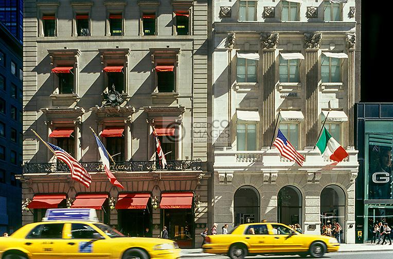 CARTIER GUGGI SHOP FIFTH AVENUE MANHATTAN NEW YORK CITY USA