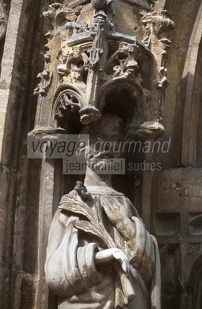 Europe/France/Champagne-Ardenne/51/Marne/Avenay Val d'Or: Détail statuaire du portail XV de l'église St Tresain