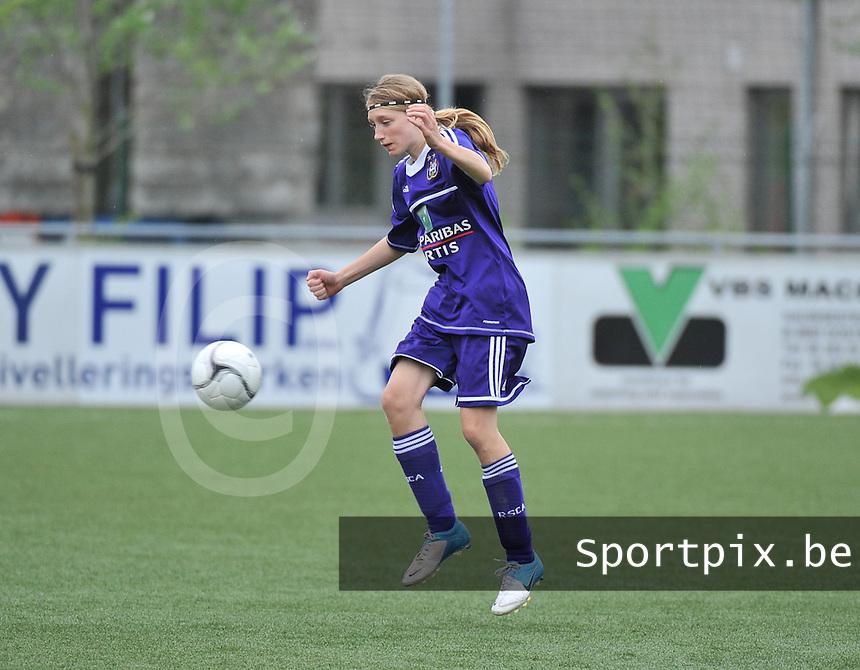 AA Gent Ladies U16 - RSC Anderlecht : Margo Anckaert.foto DAVID CATRY / Nikonpro.be