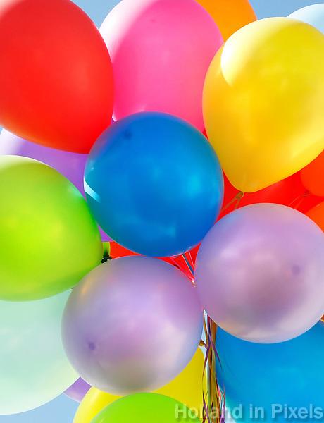 Nederland 2017.  Tros ballonnen.    Foto Berlinda van Dam / Hollandse Hoogte