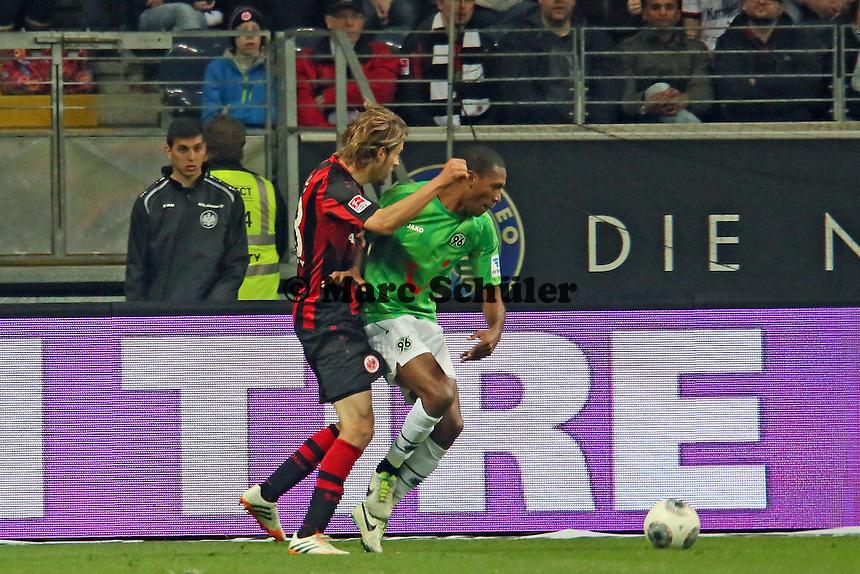 Martin Lanig (Eintracht) wird von Marcelo gesperrt und gefoult, aber kein Elfmeter - Eintracht Frankfurt vs. Hannover 96, Commerzbank Arena