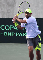 BARRANQUILLA - COLOMBIA,  02-04-2018: Sebastian Cabal (COL) entrena previo a los juegos entre Colombia y Brasil por la segunda ronda del Grupo I de la Zona Americana de la Copa Davis por BNP Paribas 2018 a disputarse entre el 6 y el 7 de abril de 2018 en la ciudad de Barranquilla, Colombia. / Sebastian Cabal (COL) trains prior to games between Colombia and Brazil in the second round of Group I of the American Zone Davis Cup by BNP Paribas 2018 to be played between 6 and 7 April 2018 in the city of Barranquilla, Colombia  Photo: VizzorImage/ Alfonso Cervantes / Cont