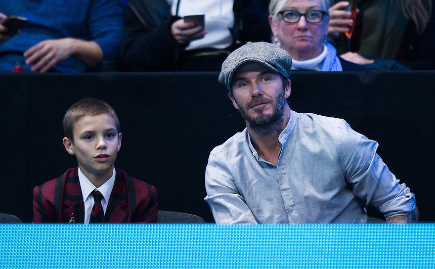 David Beckham with his son Romeo watching the Jamie Murray (GBR) &amp; Bruno Soares (Brazil) versus Ivan Dodig (Croatia) &amp; Marcelo Melo (Brazil) in their doubles match<br /> <br /> Photographer Ashley Western/CameraSport<br /> <br /> International Tennis - Barclays ATP World Tour Finals - Day 5 - Thursday 17th November 2016 - O2 Arena - London<br /> <br /> World Copyright &copy; 2016 CameraSport. All rights reserved. 43 Linden Ave. Countesthorpe. Leicester. England. LE8 5PG - Tel: +44 (0) 116 277 4147 - admin@camerasport.com - www.camerasport.com