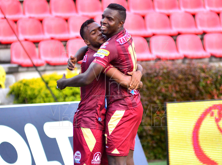 IBAGUE - COLOMBIA, 17-02-2019: Marco Perez (Der) del Deportes Tolima celebra después de anotar el primer gol de su equipo a Envigado FC durante partido por la fecha 5 de la Liga Águila I 2019 jugado en el estadio Manuel Murillo Toro de Ibagué. / Marco Perez (R) of Deportes Tolima celebrates after scoring the first goal of his team to Envigado FC during match for the date 5 of the Aguila League I 2019 played at Manuel Murillo Toro stadium in Ibague city. Photo: VizzorImage / Juan Carlos Escobar / Cont