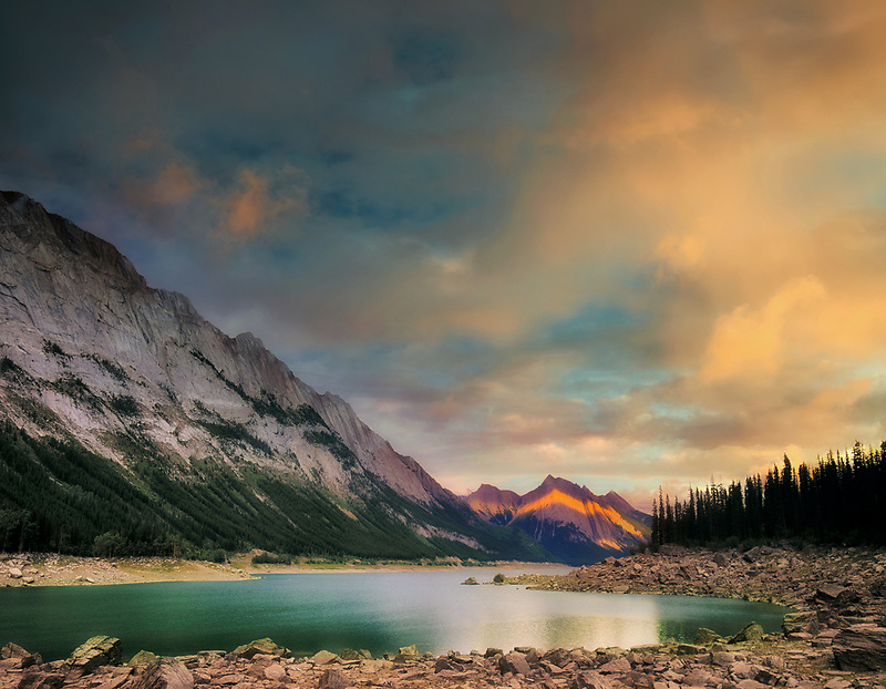 Medicine Lake. Jasper National Park, Canada.
