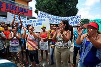 Barcarena, Pará, Brasil, Cidade. Retranca: Protesto população/ Barcarena/ Hydro -  Gancho: Moradores de Barcarena fizeram protesto em frente a câmara municipal contra a Hydro. Local: Câmara Municipal - Barcarena. Data: 12/12/2017. Foto: Mauro Ângelo/Diário do Pará.