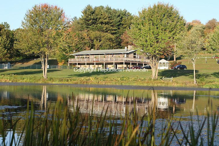 WATERTOWN, CT, 11 September 2014-101114LW02 - The Sunset Grille at Crestrbrook Park in Watertown is now open. Laraine Weschler Republican-American