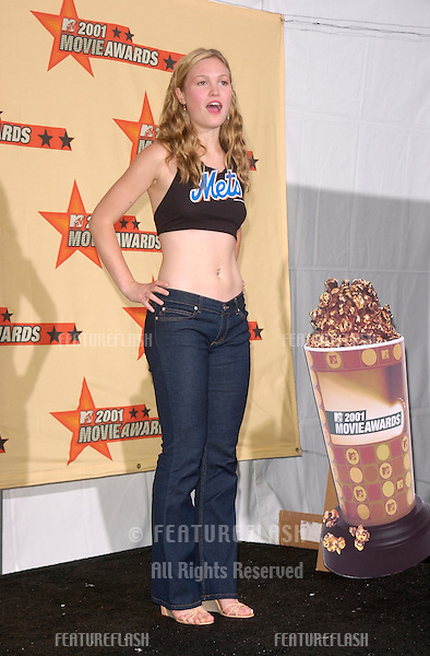 Actress JULIA STILES at the MTV Movie Awards in Los Angeles.  She won the award for Breakthrough Kiss for Save The Last Dance..02JUN2001.
