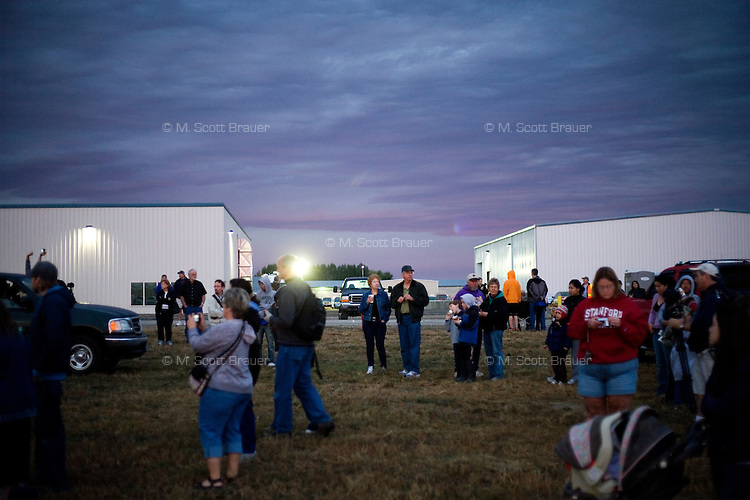 People wait for balloons to take off at the Great Prosser Balloon Rally in Prosser, Washington, USA.