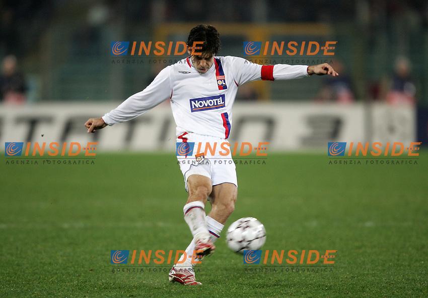 Juninho Pernambucano (Olympique Lyonnais)<br /> Champions League 2006-2007<br /> 21 Feb 2007 (First knockout round)<br /> Roma - Olympique Lyonnaise (0-0)<br /> &quot;Olimpico&quot; Stadium - Roma - Italy<br /> Photographer: Andrea Staccioli Inside Roma Olympique Lyon