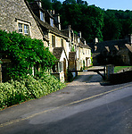 A01XEF Old cottages Castle Combe Wiltshire England