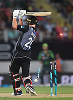 Ben Wheeler is bowled by Hasan Ali.<br /> Pakistan tour of New Zealand. T20 Series.2nd Twenty20 international cricket match, Eden Park, Auckland, New Zealand. Thursday 25 January 2018. &copy; Copyright Photo: Andrew Cornaga / www.Photosport.nz