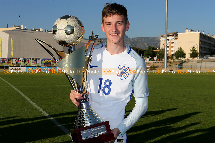 David Brooks of Sheffield United and England and scorer of England's only goal in 90 minutes celebrates with the Trophy during England Under-18 vs Ivory Coast Under-20, Toulon Tournament Final Football at Stade de Lattre-de-Tassigny on 10th June 2017