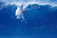 The late Ronnie Burns (HAW) surfing at Pipeline, North Shore , Oahu, Hawaii. circa 1989 Photo: joliphotos.com.
