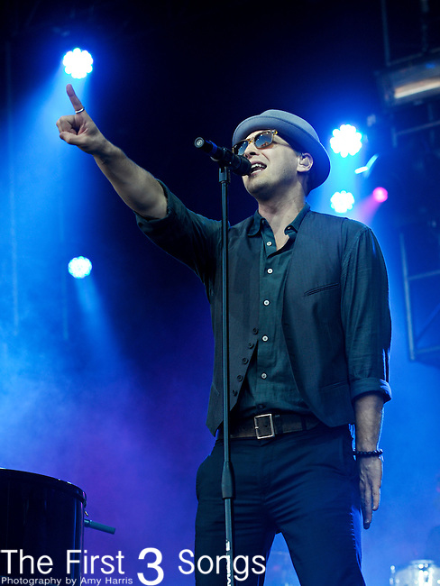Gavin DeGraw performs during Day 1 of the Orlando Calling music festival at Citrus Bowl Park in Orlando, Florida on November 12, 2011.