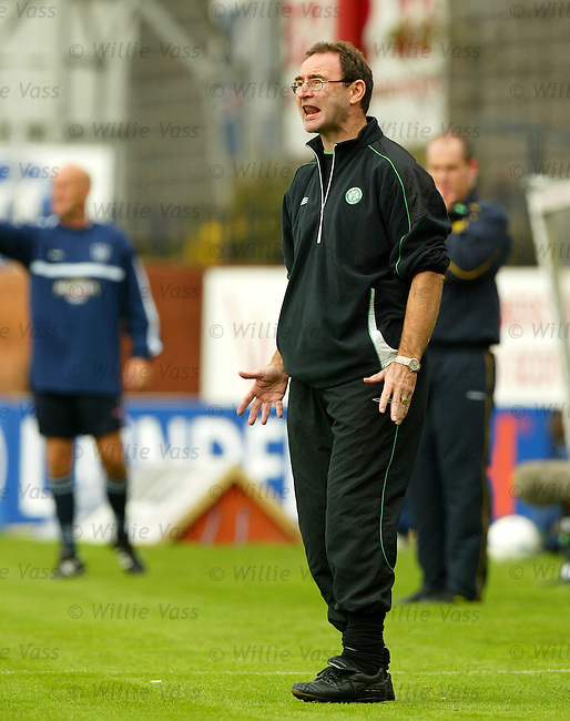 Martin O'Neill, Celtic..Stock season 2003-2004.pic willie vass