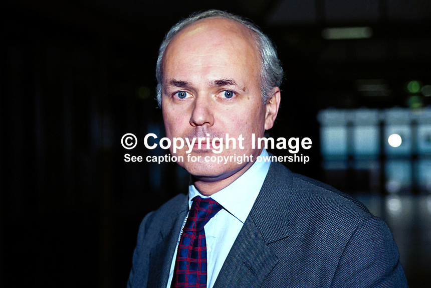 Iain Duncan Smith, Conservative Party, MP, Britain, UK. Ref: 199810257..Copyright Image from Victor Patterson, 54 Dorchester Park, Belfast, UK, BT9 6RJ..Tel: +44 28 9066 1296.Mob: +44 7802 353836.Voicemail +44 20 8816 7153.Skype: victorpattersonbelfast.Email: victorpatterson@mac.com.Email: victorpatterson@ireland.com (back-up)..IMPORTANT: If you wish to use this image or any other of my images please go to www.victorpatterson.com and click on the Terms & Conditions. Then contact me by email or phone with the reference number(s) of the image(s) concerned.