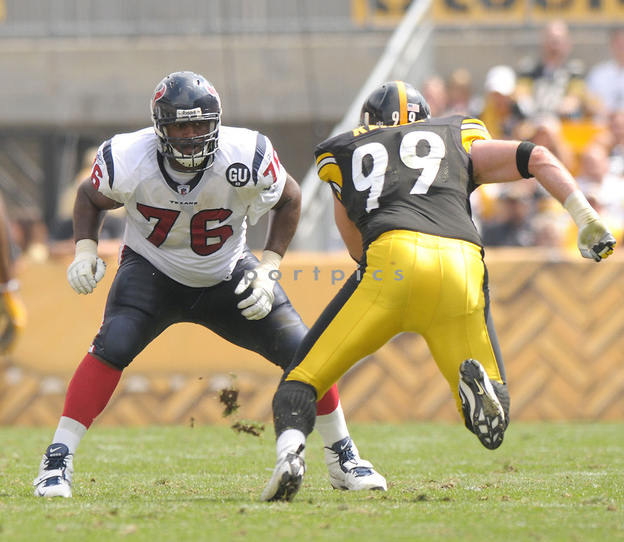 DUANE BROWN, of the Houston Texans, in action during the Texans, game against the Pittsburgh Steelers  in Pittsburgh, Pennsylvania on September 7, 2008..The Pittsburgh Steelers won 38-17